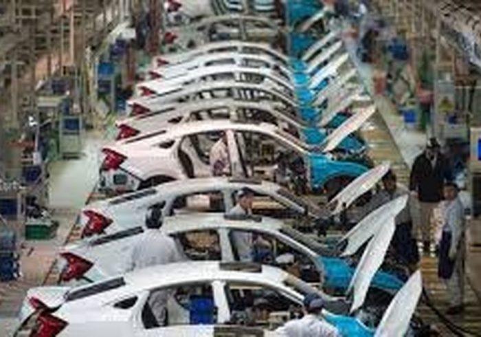 یکه تازی بازار خودرو با گرانی دلار