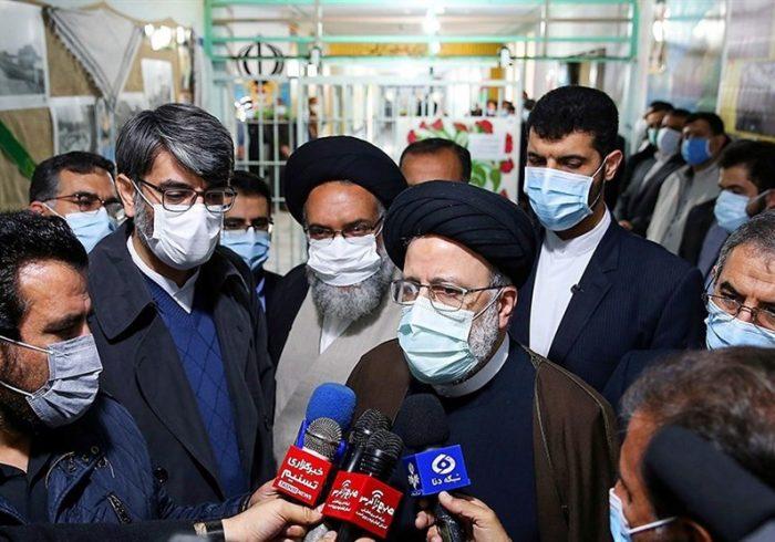 رئیسی: رکود کارخانهها انسان را غصهدار میکند / فعالیتهای کنونی پذیرفتنی نیست