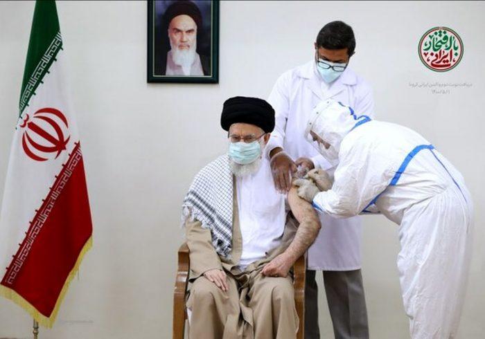 رهبر معظم انقلاب نوبت دوم واکسن ایرانی کرونا را دریافت کردند