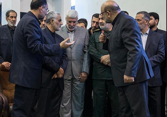 بیمهری سیاستمداران به جریان مقاومت در مذاکرات برجام/ پیشبینی حاج قاسم از آینده محمد مرسی/ عصبانیت شهید سلیمانی از حق مأموریتی که به او دادند