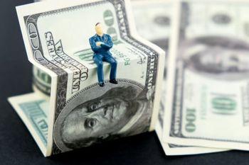 سکه بخریم یا دلار؟