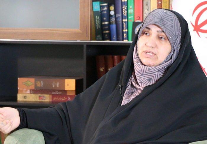 زنان در انقلاب امام خمینی(ره) محور تکامل جامعه و تعیین کننده مسیر حرکت آن هستند