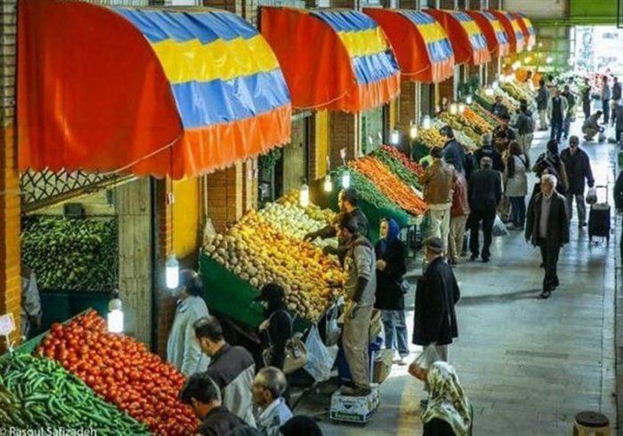 تهرانیها سیب و خربزه را جایگزین میوههای گرانتر کردند